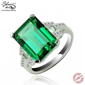 Кольцо с зеленым изумрудом и цирконием, С1602