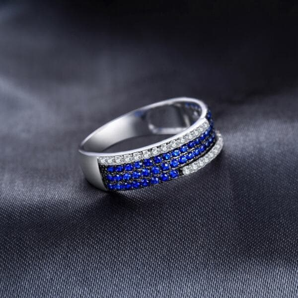 Кольцо синий шпинель и цирконий , 2275