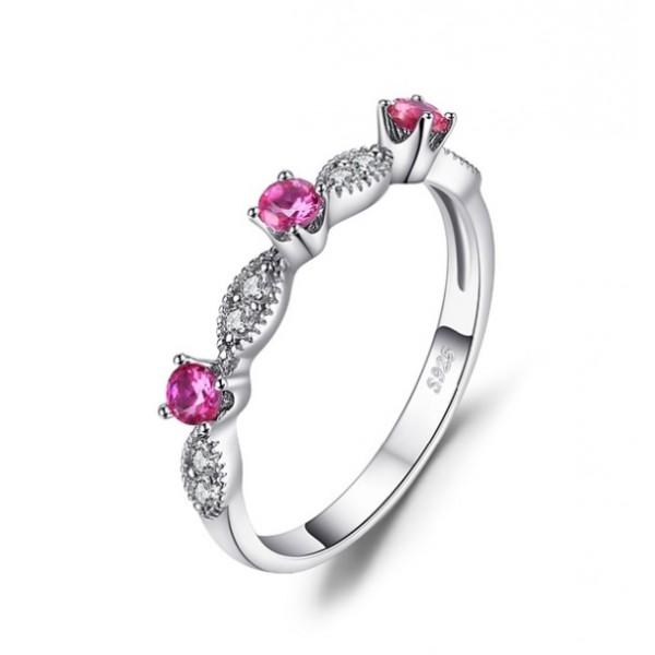 Кольцо с рубином и цирконием , 2276