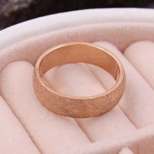 Женское кольцо матовое, золотистое, С6343